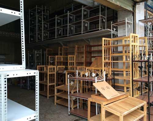 Nội thất Anh Quân có nhiều mẫu kệ sách gỗ giá rẻ tại Hà Nội
